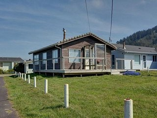 A perfect house for a small family wanting to get away to secluded Yachats!