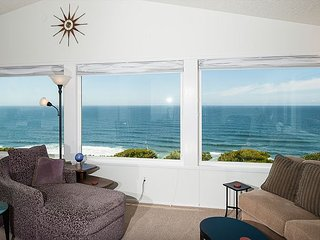 Perfect views from this Ocean Front home located  Lincoln City!