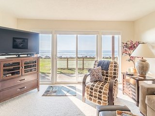Ocean front condo just steps to one of the best beaches on the Oregon Coast!