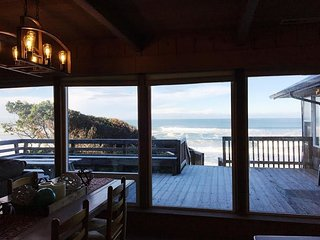 Bella Beach Combo-Ocean View,Hot Tub,Fireplace,4BR, Depoe Bay