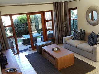 Six Whale Rock Gardens - Self Catering Holiday Apartment