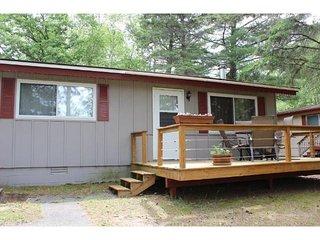 Cabin #4. Cozy cabin on Island Lake, Park Rapids.  Great area.  Great price!