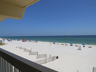 Harbor House B2 - Gulf Front/Free Wifi, Prime Location by Gulfsands Rentals