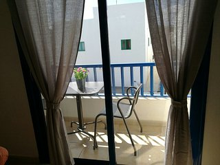 Apartamento vacacional situado en primera linea con vistas a la Graciosa