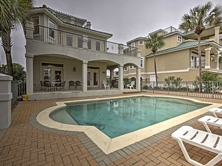 NEW! 'Destin's Destiny' 6BR Destin House w/ Pool!