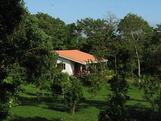 Villasvistamasaya, a cute two bedroom tropical vacation home