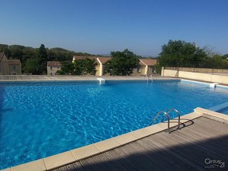 Centre de Carcassonne, terrasse sans vis à vis résidence avec piscine et parking