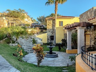 BEST PRICE, BEST LOCATION, BEST VIEWS AND INCLUDES CHAUFFER, CHEF, MAIDS & MORE, Cabo San Lucas