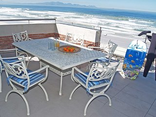 Apartment in Cape Town with Lift, Parking, Balcony, Washing machine (503984)