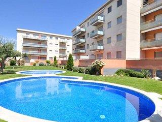 C-109. Apartamento en Cambrils, 2 habitaciones, piscina, A/A y parking.