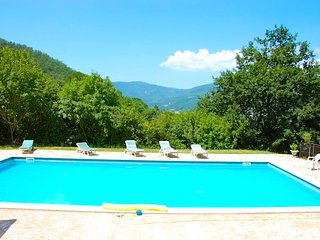 Casa Luciana private villa with private pool, walking distance of village., Lisciano Niccone