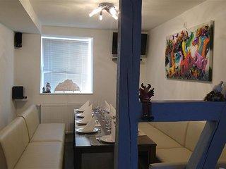 Modernes Ferienhaus für bis zu 14 Pers., mit großer Wohnküche