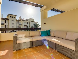 Residencial Duquesa: Brand New Luxury Apartment on a Small and Private Resort