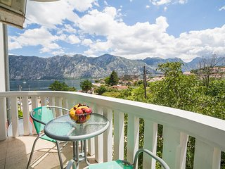Apartment Marina - One Bedroom Apartment with Sea View, Kotor