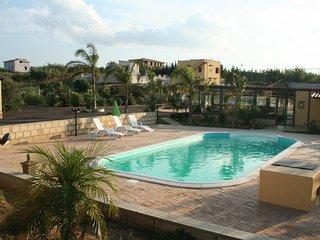 Villetta per 6 persone in residence con  piscina a Balestrate