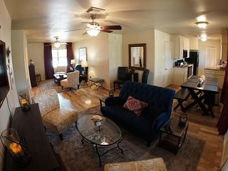 Full-Time, Fully Furnished Rental Property, 3 Miles to 610, 6 Miles to NRG, Houston
