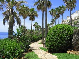 Villa Benito | Estepona with residents bar and beach access