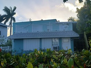 NEW Beach Bungalow on Anna Maria Island, Bradenton Beach