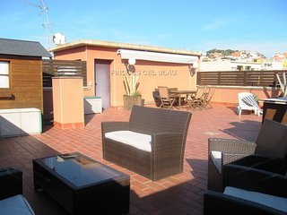 Bonito apartamento con terraza solarium
