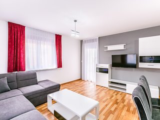 Dragan 3 2.KAT apartment with 4*, 3 bedrooms, 3 bathrooms
