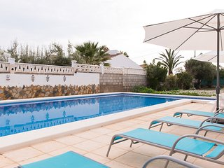 Classic Spanish Casa Sleeps 8 with Private Pool