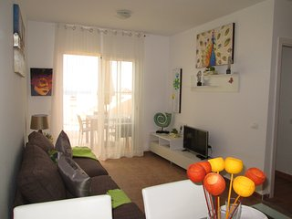 SUN & SEA Nice and modern bungalow with spectacular sea and town views!, Caleta de Fuste