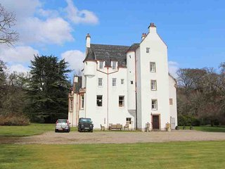 153-Historic Highland Castle