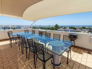 Bel appartement vues mer et piscine au coeur du VILLAGE DE pecheur de CABANAS