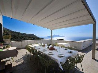 Villa Idylle overlooking Capri
