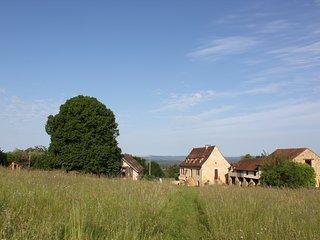 Gite Le Pigeonnier 4 pers Piscine. Domaine de la Margotine en Quercy Périgord.
