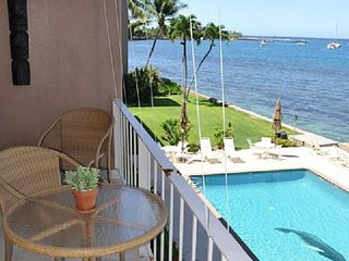 Lahaina Roads 309 1br/1ba Renovated Ocean Front Condo - Summer Specials!!!