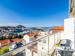 Niko´s Sea View Apartment - Two Bedroom apartment with Balcony and Sea View