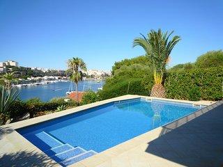Chalet con vistas al mar, piscina privada, WiFi gratis