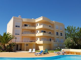 Praia da Luz 2 bed Apt with sea views in Vila das Acacias