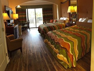 AWESOME STUDIO CONDO AT CARAVELLE RESORT! FREE WIFI!