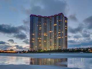 Margate Tower 3 Br 3 Ba Direct Oceanfront Condo FREE WIFI!