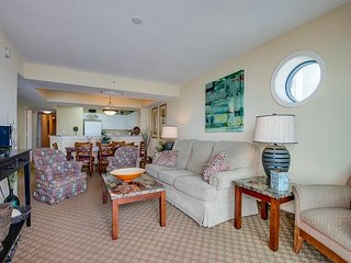 Huge 4 Bed Direct Oceanfront Corner Condo FREE WIFI!