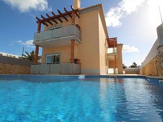 Oura Pereira Apartment A,