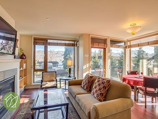 Beautiful Ground Floor Corner Unit with View by Sage Vacation Rentals, Chelan