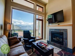 The Best Lake Views 4th Floor Suite by Sage Vacation Rentals CRS402, Chelan