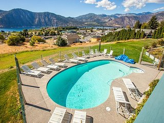 NEW- Private Large Group Retreat sleeps up to 18 by Sage Vacation Rentals