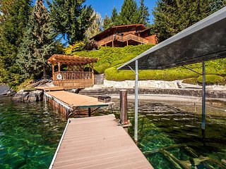 NEW - Private Cove Waterfront Home by Sage Vacation Rentals