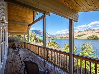 Wapato Lake Waterfront Retreat by Sage Vacation Rentals