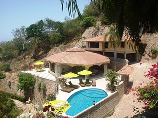 CASA JULIO ACAPULCO MEXICO.Totally private villa above Hotel Villa Vera,