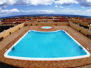 SUN & SEA Nice and modern bungalow with spectacular sea and town views!