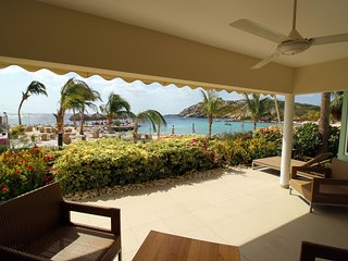 Beach suite, ground floor at Blue Bay beach apartments