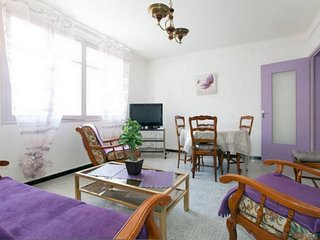 Appartement cosy avec garage à 5 mn des Arênes et de la gare.