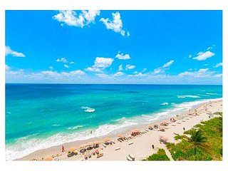 BEACH CLUB ON THE BEACH 5-STAR 3/3, Hallandale