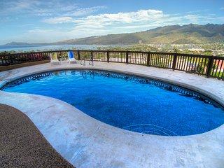 Hale Ohana, Pool, Ocean View Home/Hawaii Kai, Oahu  3+BD/3Bath