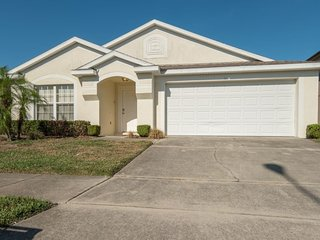 4B Pool Home-Hampton Lakes near Disney DavenportFL